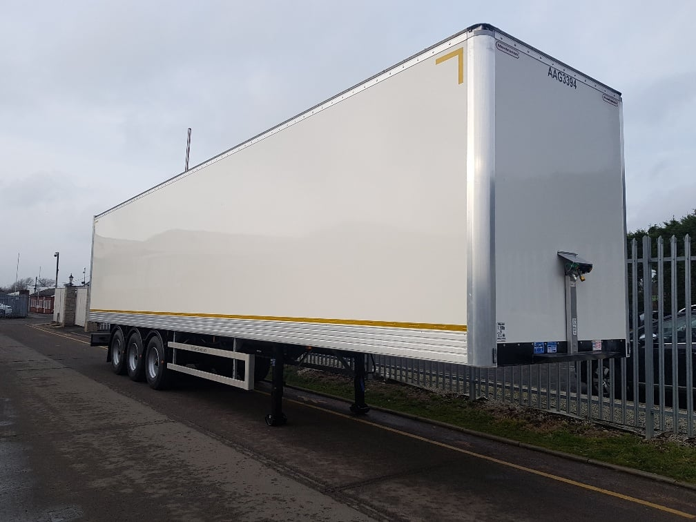 New 2019 Montracon, 4.2m GRP box van. Barn doors, 2.73m internal height. BPW drum brakes, R/L valve. Full manufacturer's warranty applies.