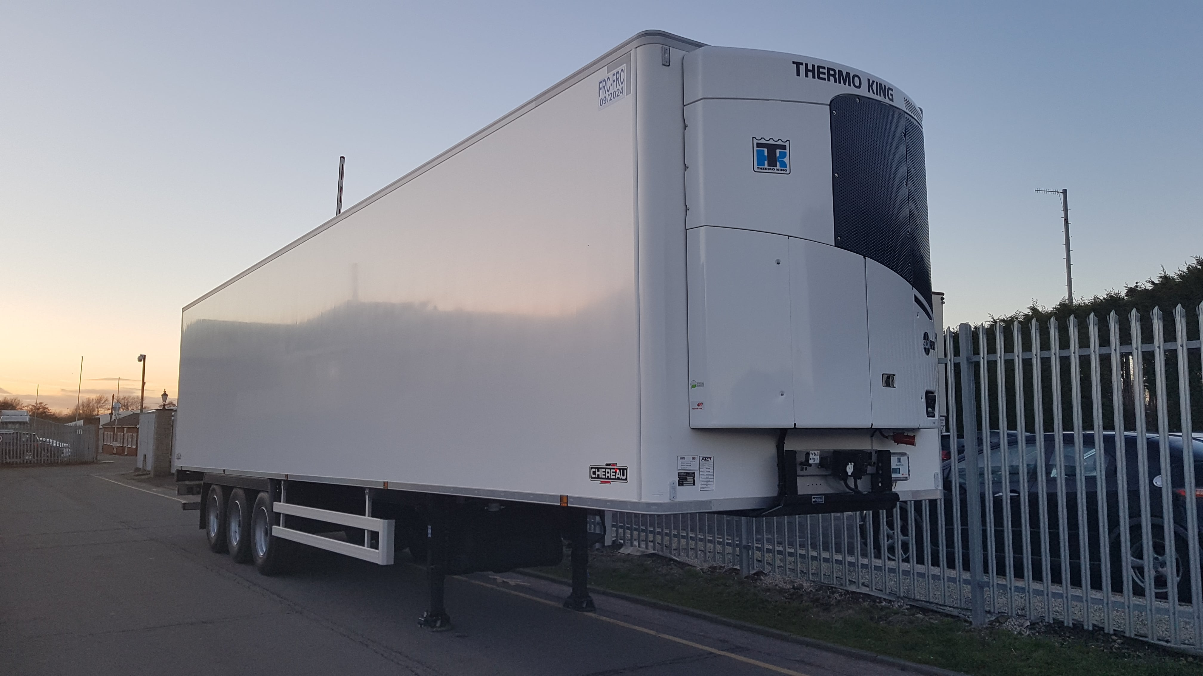 BRAND NEW 2018 Dual Temp Chereau Fridge, ThermoKing SLXi Spectrum fridges, BPW axles, drum brakes, Solid Internal bulkheads, full chassis' resin floors, Barn doors, 2.6m internal height. Full manufacturer's warranty applies.