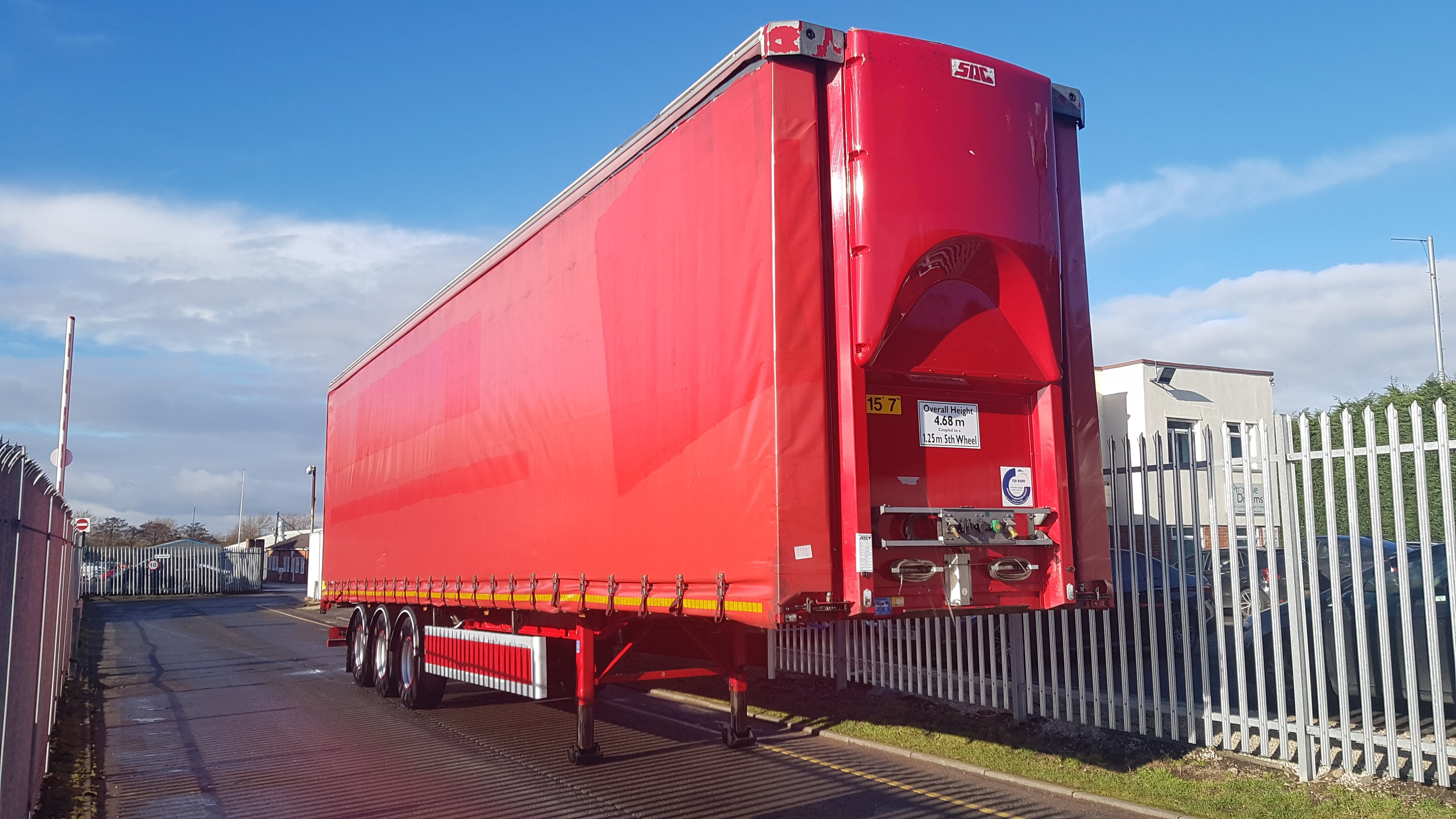 2016 SDC 4.68M ENXL Rated Curtainsider. SAF drum brake axles, 3.19m internal aperture, 3 sliding side posts per side, ENXL rated body, flush rear doors, raise lower valve facility. MOT July 2019.
