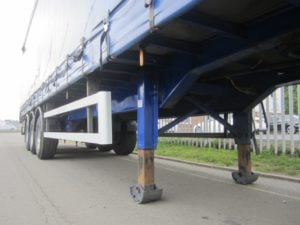 2009-montracon-4-4m-curtainsider-ae24723-13