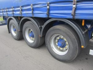 2009-montracon-4-4m-curtainsider-ae24723-14