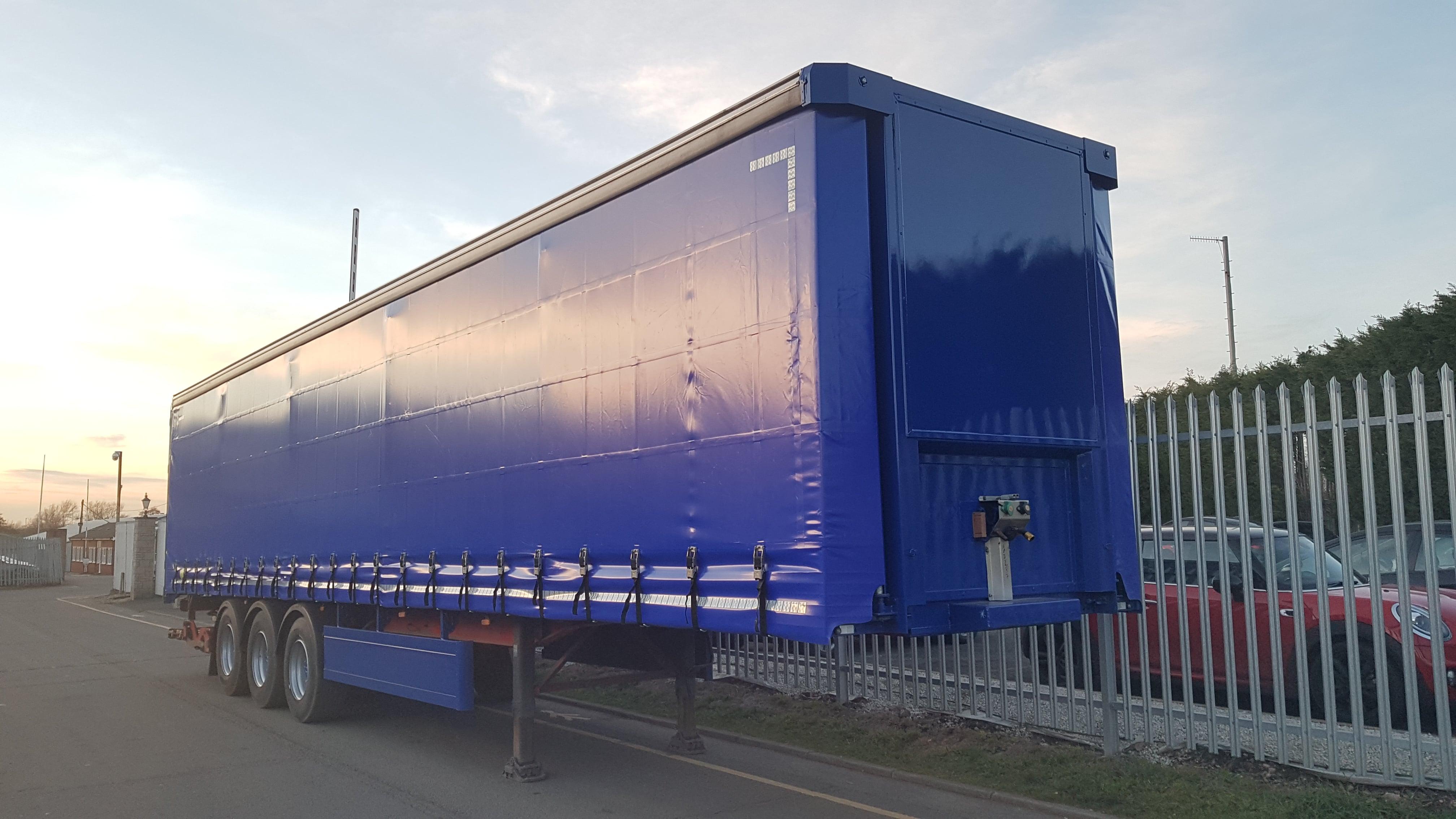 2011 SDC, 4.05m External height, 2.52m Internal Height, SAF Axles Drum Brakes, Flush Doors, Keruing Floor, Refurbished in Blue.
