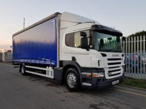 2011 (11) Scania P320. Manual, Euro 5, Sleeper Cab, Barn Door, FSH, 25FT Body.
