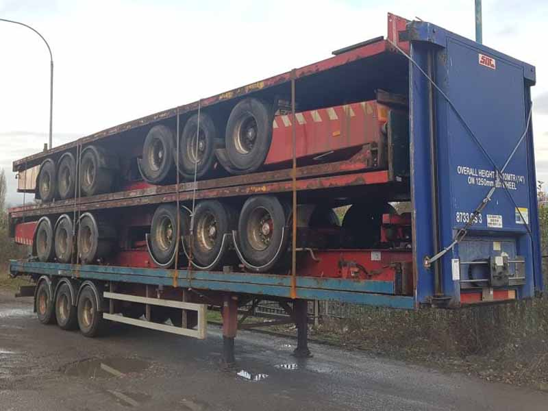 ROR drum brake stacks of flat beds for export year 2004 to 2007. Stacks of 5 x 13.6M long flat bed trailers, ROR drum brake axles on air suspension, welded and banded to comply with shipping requirements, steel construction trailers. Worldwide shipping arranged also if required.