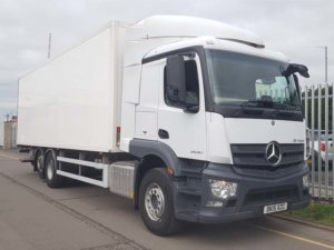 2015 Mercedes 26T Fridge. Rear lift axle, 300bhp, Automatic Gearbox, Euro6, 5.8m wheelbase, G&A Body, 8.43m body internal length, Slider tail lift 1500kgs. March 2019 MOT, 349,017kms.