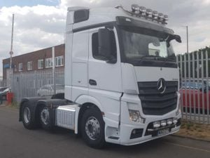 2013 (63) Mercedes Actros 2545. Euro 5, 450hp, Streamspace sleeper cab, auto box, 702,000kms, top and bottom light bars, MOT Jan 2020.