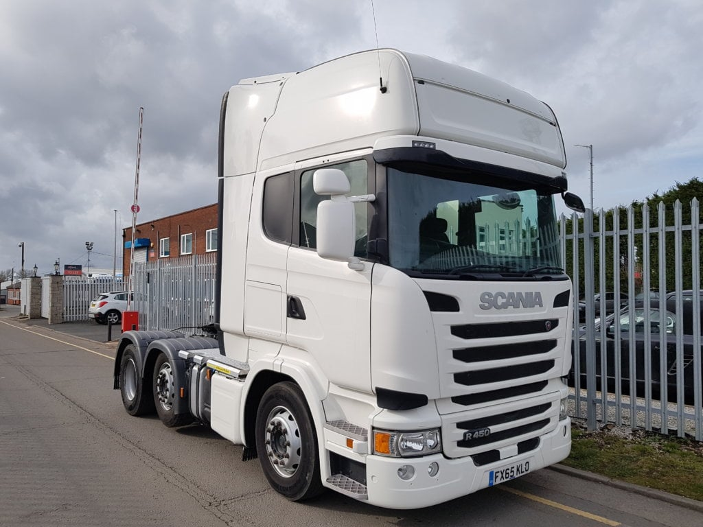 2015 (65) Scania R450 6X2 Topline. Euro 6, 450hp, Opticruise gearbox, twin sleeper Topline cabs, cloth trim, mid-lift, sliding 5th wheels, alloy infilled catwalk area. Choice of 6 available.