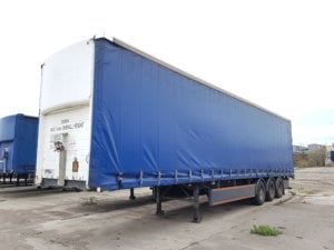 2006 SDC 4.4m Curtainsider. ROR drum brake axles, pillarless body with 2.7m clear side aperture, barn doors, raise lower valve, 26 internal straps, wisadeck floors, MOT May 2019. Priced at £2950 + VAT to clear.