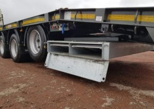 2018-montracon-tri-axle-low-loader-tractor-carrier-sold-img-20190311-wa0003