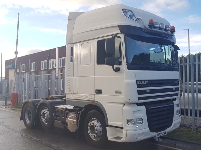 2012 DAF Superspace Cab XF105.460. 702,194kms, Superspace twin sleeper cab, manual gear box, leather seats, mid lift, UK MOT December 2019, light bars to top of cab and the rear of cab, sliding 5th wheel, air con, registered 1.3.2012.
