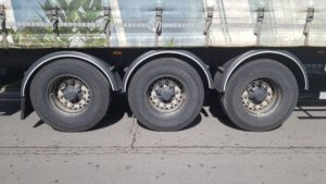 2014-lawrence-david-4-65m-enxl-rated-tuck-away-tail-lift-curtainsiders-sold-20190402_133634_resized-1