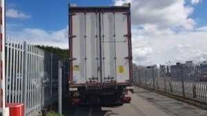 2014-lawrence-david-4-65m-enxl-rated-tuck-away-tail-lift-curtainsiders-sold-20190402_133705_resized-1