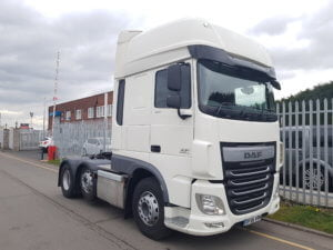 2016 (66) DAF XF460 Superspace Cab. Euro 6, 460hp, auto box, mid-lift, twin sleeper cab, air con, only 218,000kms.