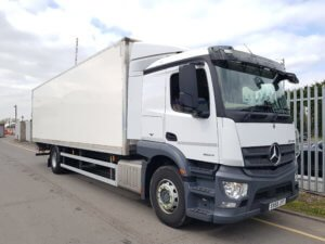 2015 (65) Mercedes Actros 1824 Box. 18 tonne, Euro 6, 240hp, auto box, sleeper, 9.12m body, barn doors 2.27m height, Anteo Tuckunder 1500kg tail lift, 224,000kms, MOT November 2019.