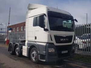 2015 MAN 26.480 XLX Euro 6 Tractor Unit. Euro 6, XLX cab, automatic gearbox, single sleeper cab, mid-lift, 670,378kms, cruise control, air con, fridge, MOT February 2020.