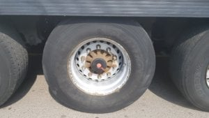 2014 Schmitz single temp fridge - wheel/ tyre close up view
