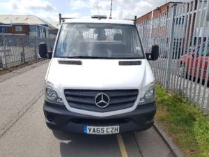 2015 Mercedes Benz 313 Dropside Sprinter. 111,397 miles, manual gearbox, aluminium dropsides, Del 500kg rear tail lift facility, reverse camera, top beacon light, 235/65r16 wheels and tyres, 3 seater cabs. Available at Wolverhampton.