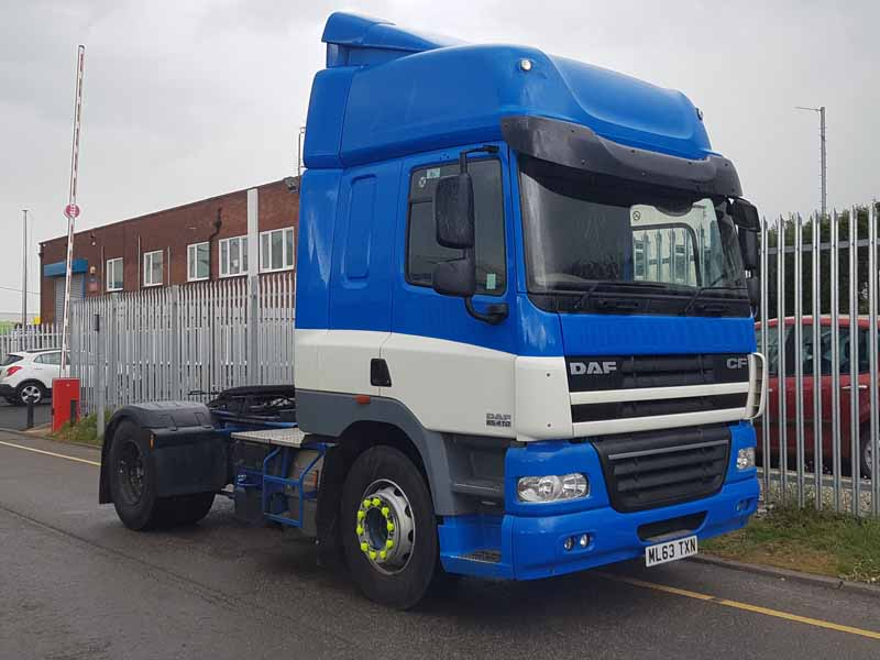 2013 DAF CF410 4X2 Space Cab tractor units. Euro 5, automatic gearboxes, twin sleeper Space Cabs, sliding 5th wheels, fridges, air con, 565,000kms and 590,000kms MOT November 2019. Choice of 2 available.