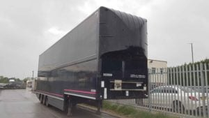 2012 Donbur Stepframe Curtainside. 4.88m External Height, SAF Axles, Disc Brakes, Barn Doors, Dhollandia Column Tailift (1500KG Capacity), Wisa Deck Floor, Full MOT.
