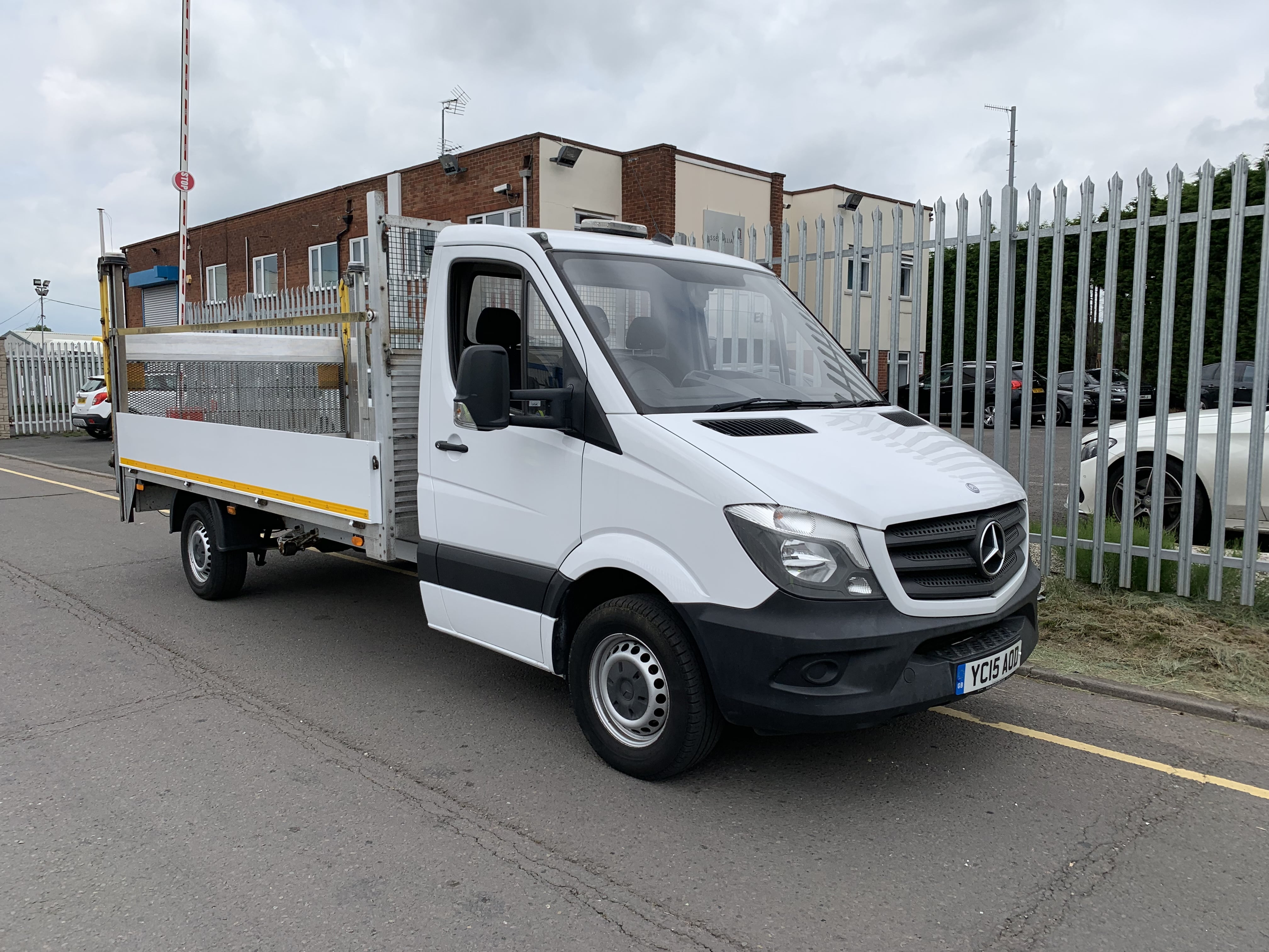 2015 Mercedes Dropside Sprinter. 109,678 Miles, Manual Gearbox, Aluminium Dropsides, Del 500kg rear tail lift facility, reverse camera, top beacon light, 235/65r16 wheels and tyres, 3 seater cabs.
