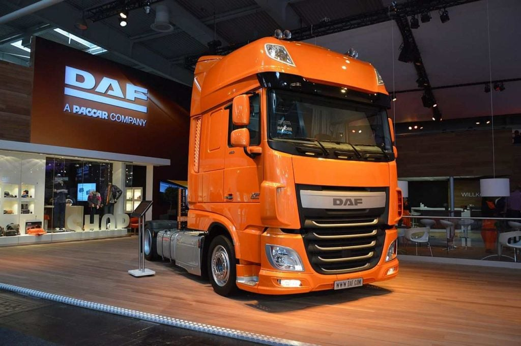DAF XF 460 FT at a truck show