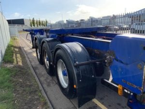 2007 Dennison Sliding Skeletal. BPW Axles, Drum Brakes, 14 x Twist Locks, Raise Lower Valve Facility, 08/20 MOT.