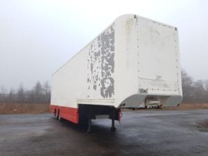 1997 Overlander Stepframe Boxvan. 4.11m External Height, Hendrix Axles, Drum Brakes, 19.5 Inch Wheels, Full Cantilever Tailift Rear Access, Load lock Rails.