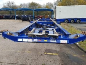 2005 Dennison Skeletal. Blue, BPW Axles, Drum Brakes, 14 x Twist Locks, Raise Lower Valve Facility.