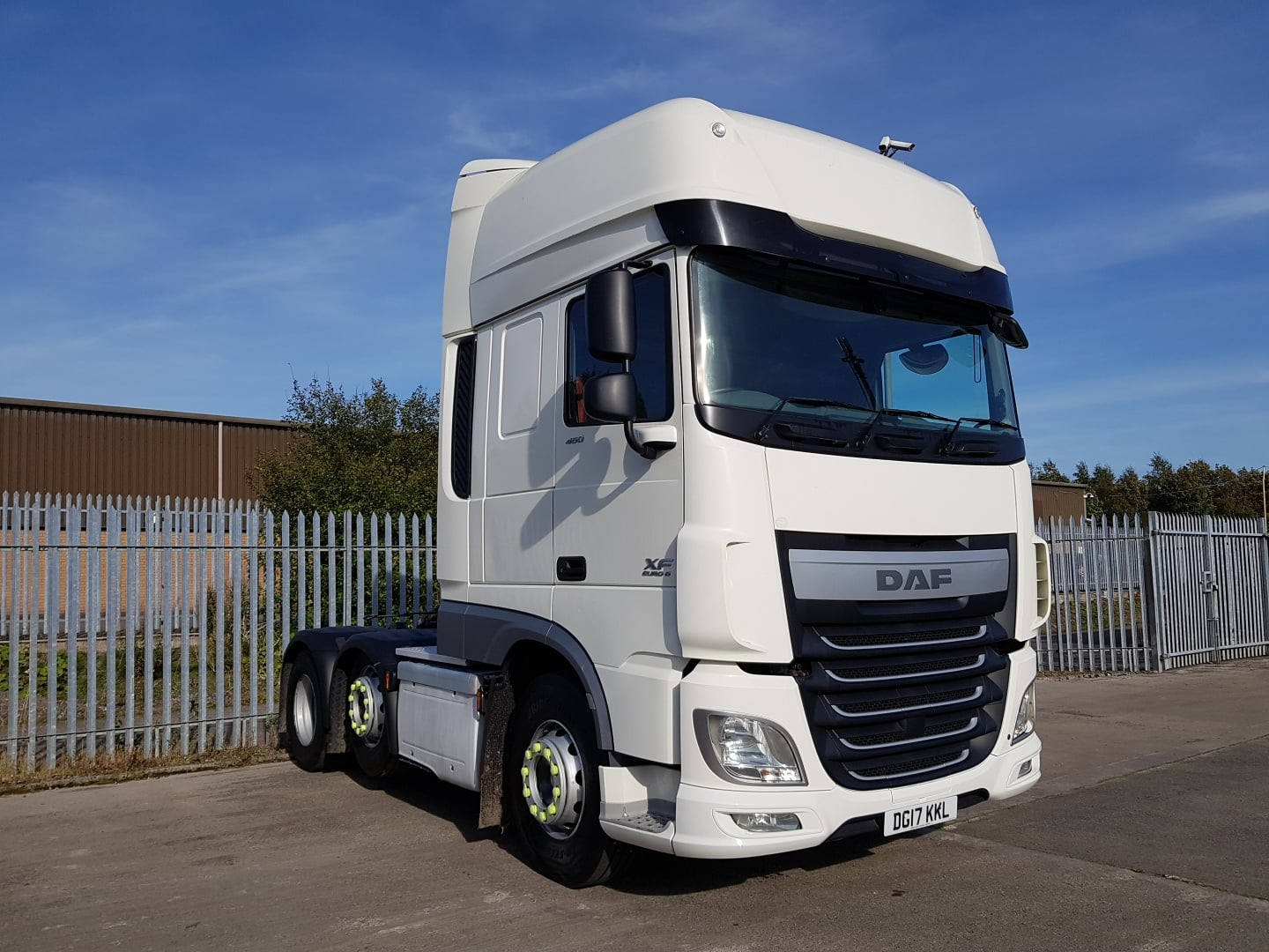2017 Daf. Euro 6, 460bhp, Superspace Twin Sleeper Cab, AS Tronic Automatic Gearbox, 3.95m Wheelbase, Steering Wheel Controls, Mid-Lift Axle, Warranty & Choice Available.
