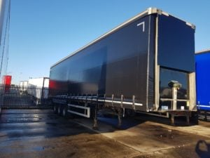 2016 Montracon Curtainsider. 4.5m External Height, 2.99m Internal Height, BPW Axles, Drum Brakes, Wisa Deck Floor, Barn Doors, Supplied with Brand New Curtains.