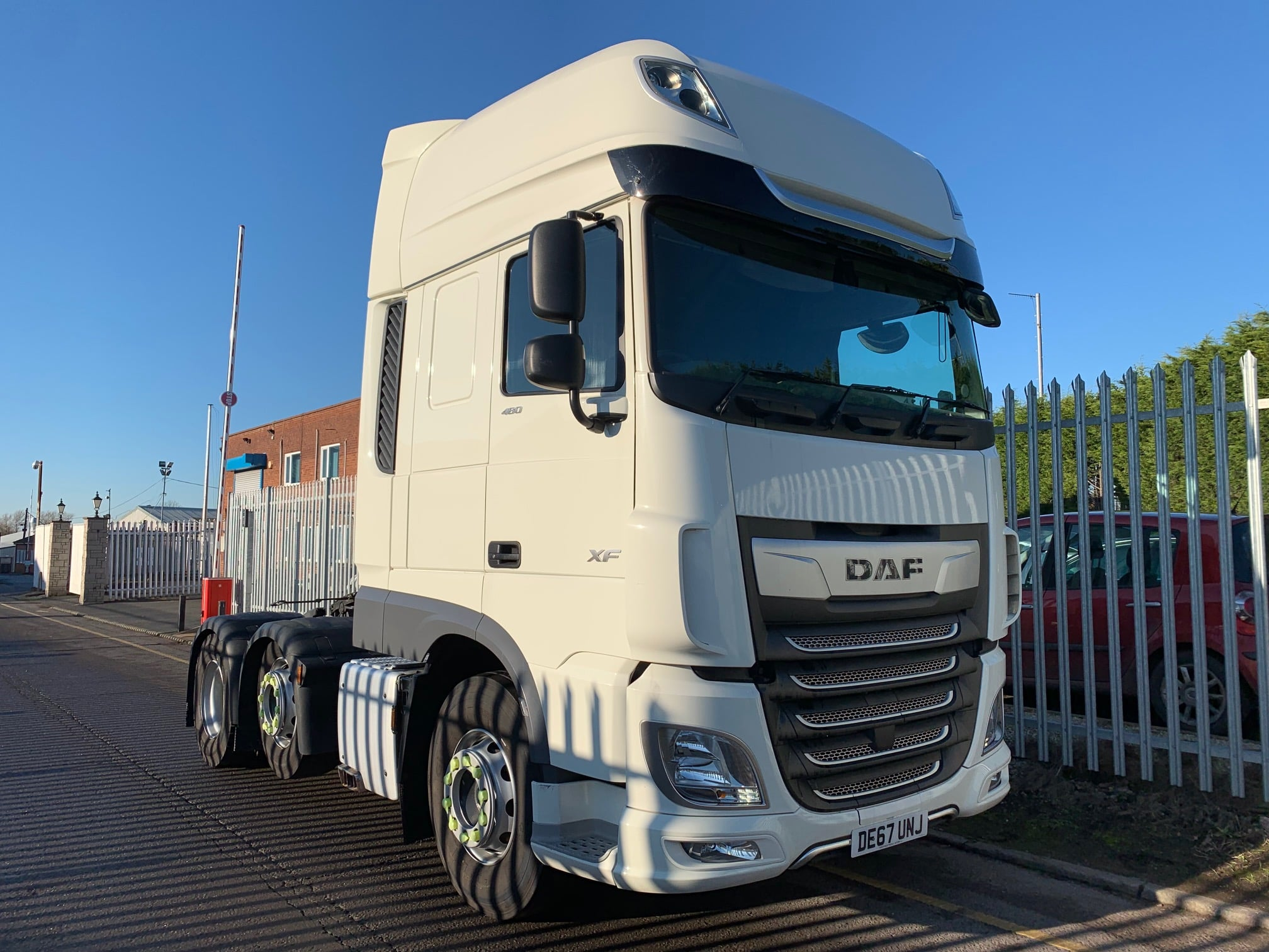 2017 (67) DAF XF Tractor Unit. Euro 6, 480bhp, Superspace Twin Sleeper Cab, AS Tronic Automatic Gearbox, Steering Wheel Controls, Aluminium Catwalk Infill Panel, Low Mileage, Choice & Warranty Available.