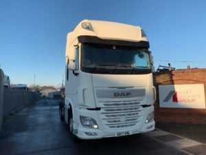 2017 Daf XF Tractor Unit. Euro 6, 460bhp, Superspace Twin Sleeper Cab, AS Tronic Automatic Gearbox, Steering Wheel Controls, Aluminium Catwalk Infill Panels, Mid-Lift Axle, Fully Colour Coded, Choice & Warranty Available.