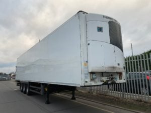 2013 Schmitz Fridge Trailer. Thermoking SLX Engine, 2.59m Internal Height, SAF Axles, Drum Brakes, Aluminium Floor, Barn Doors, 2 x Load Lock Rails, Raise Lower Valve Facility.