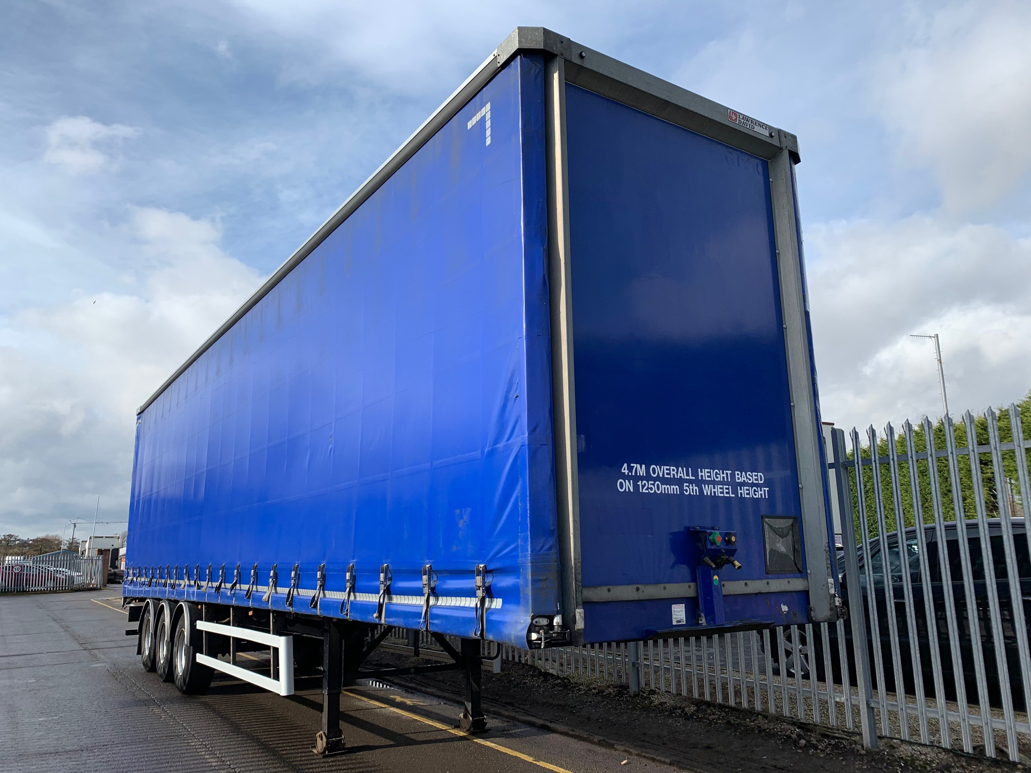 2015 Lawrence David Curtainsider. 4.7m External Height, 3.05m Internal Height, BPW Axles, Drum Brakes, Wisa Deck Floor, Barn Doors, Pillarless, Raise Lower Valve Facility. Choice of 4 Available.