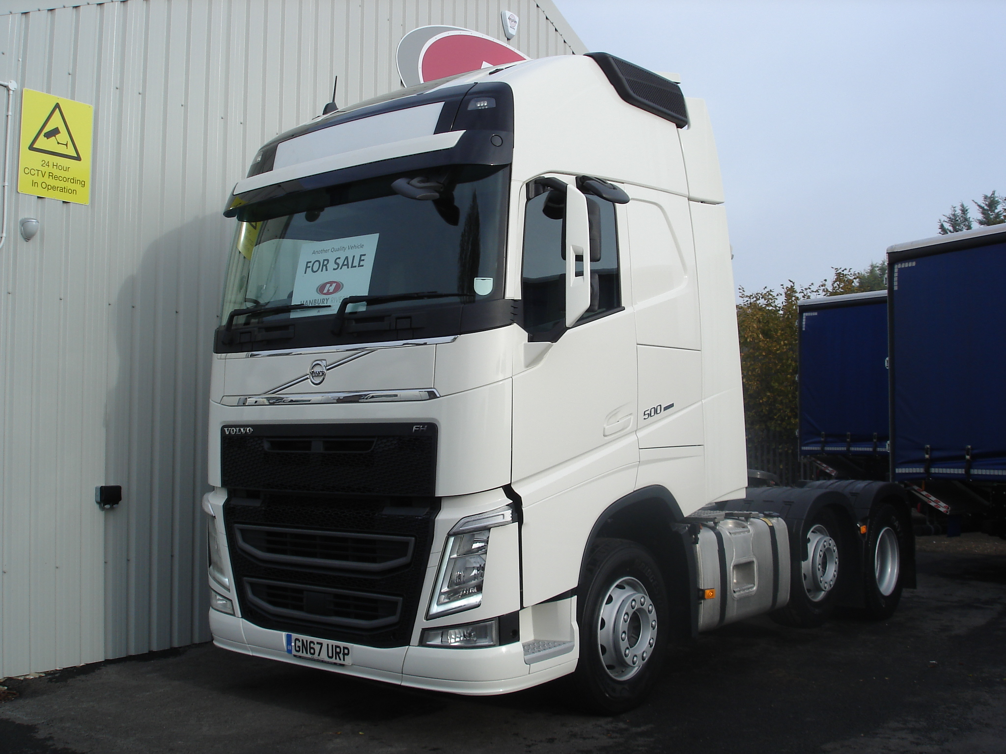 2017 (67) Volvo FH500. Euro 6, 500bhp, GTXL Twin Sleeper Cab, I Shift Automatic Gearbox, 4.1m Wheelbase, Mid-Lift Axle, Fridge/Freezer, Full Leather Trim, Advanced Audio Package, Fully Colour Coded, Full Volvo Service History, Choice & Warranty Available.