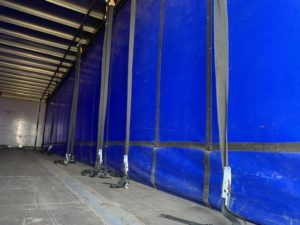 2007 SDC Curtainsider. 4m External Height, 2.46m Internal Height, ROR Axles, Drum Brakes, Wisa Deck Floor, Barn Doors, Raise Lower Valve Facility, Pillarless.