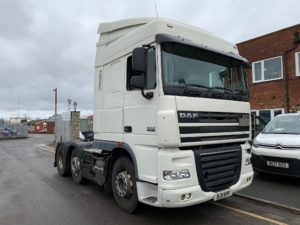 2011 DAF XF. 460bhp, Euro 5, Single Sleeper Cab, AS Tronic Automatic Gearbox, Steering Wheel Controls, Mid-Lift Axle.