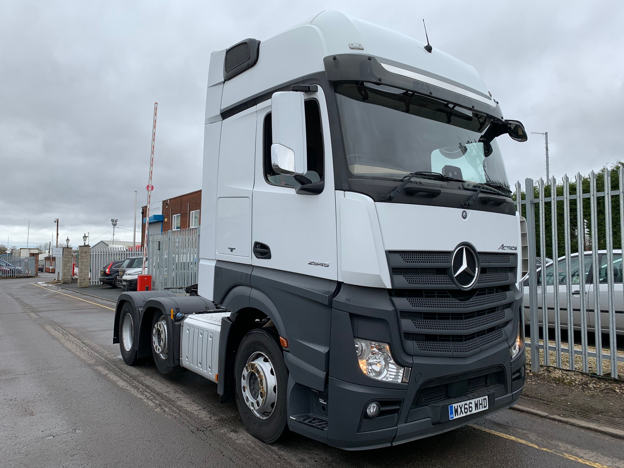 2016 (66) Mercedes Actros 2545, Euro 6, 450bhp, Streamspace Single Sleeper Cab, Automatic Gearbox, Steering Wheel Controls, Low Mileage, Warranty & Choice Available.