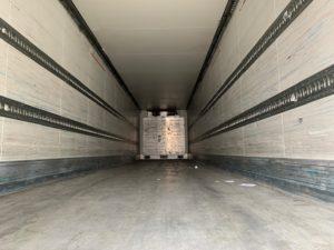 2008 Schmitz Fridge Trailer. Carrier Vector 1850Mt Engine, Schmitz Axles, Disc Brakes, Aluminium Floor, Barn Doors, 2.59m Internal Height, 2 x Load Lock Rails, Raise Lower Valve Facility.