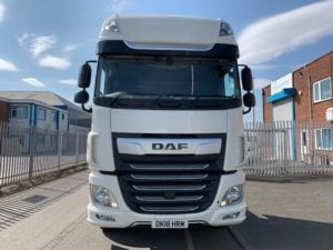 2018 DAF XF. 480bhp, Euro 6, Superspace Twin Sleeper Cab, Automatic Gearbox, 3.95m Wheelbase, Aluminium Catwalk Infill Panels, Steering Wheel Controls, Mid-Lift Axle, Air Con, Xtra Comfort Mattress, Radio/USB, Electrically Heated & Adjustable Mirrors, Warranty Available.