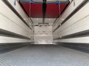 2017 DAF CF 330 26 Tonne Fridge Tailift. Dhollandia Tuckunder Tailift (2000kg Capacity), Carrier Supra 1150Mt Engine, Euro 6, 12 Speed AS Tronic Automatic Gearbox, Single Sleeper Cab, Roller Shutter Rear Door, Near Side Door in Body, Aluminium Floor, 2 x Load Lock Rails, Xtra Comfort Mattress, Radio/USB, Exhaust Brake, 390 Litre Fuel Tank/50 Litre ADBlue Tank, ONLY 51,034km, Warranty Available.