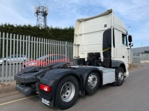 2017 (67) DAF XF, 510BHP, Euro 6, Superspace Twin Sleeper Cab, 12 Speed AS Tronic Automatic Gearbox, 3.95m Wheelbase, Aluminium Catwalk Infill Panels, Steering Wheel Controls, Mid-Lift Axle, Air Con, Xtra Comfort Mattress, Radio/USB, Electrically Heated & Adjustable Mirrors, 490 Litre Fuel Tank/90 Litre ADBlue Tank, Choice & Warranty Available.