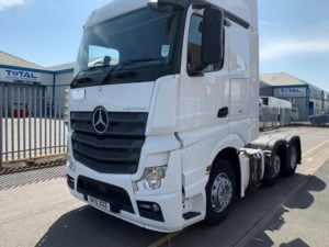 2015 Mercedes Actros 2545, Euro 6, 450bhp, Streamspace Single Sleeper Cab, Automatic Gearbox, Steering Wheel Controls, Mid-Lift Axle, Fridge, Air con, Choice & Warranty Available.