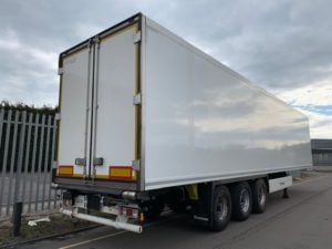 2016 Krone Dual Temp Fridge Trailer. Thermoking SLXe Spectrum Engine, BPW Axles, Drum Brakes, Aluminium Floor, Barn Doors, 2 x Load Lock Rails, Raise Lower Valve Facility.