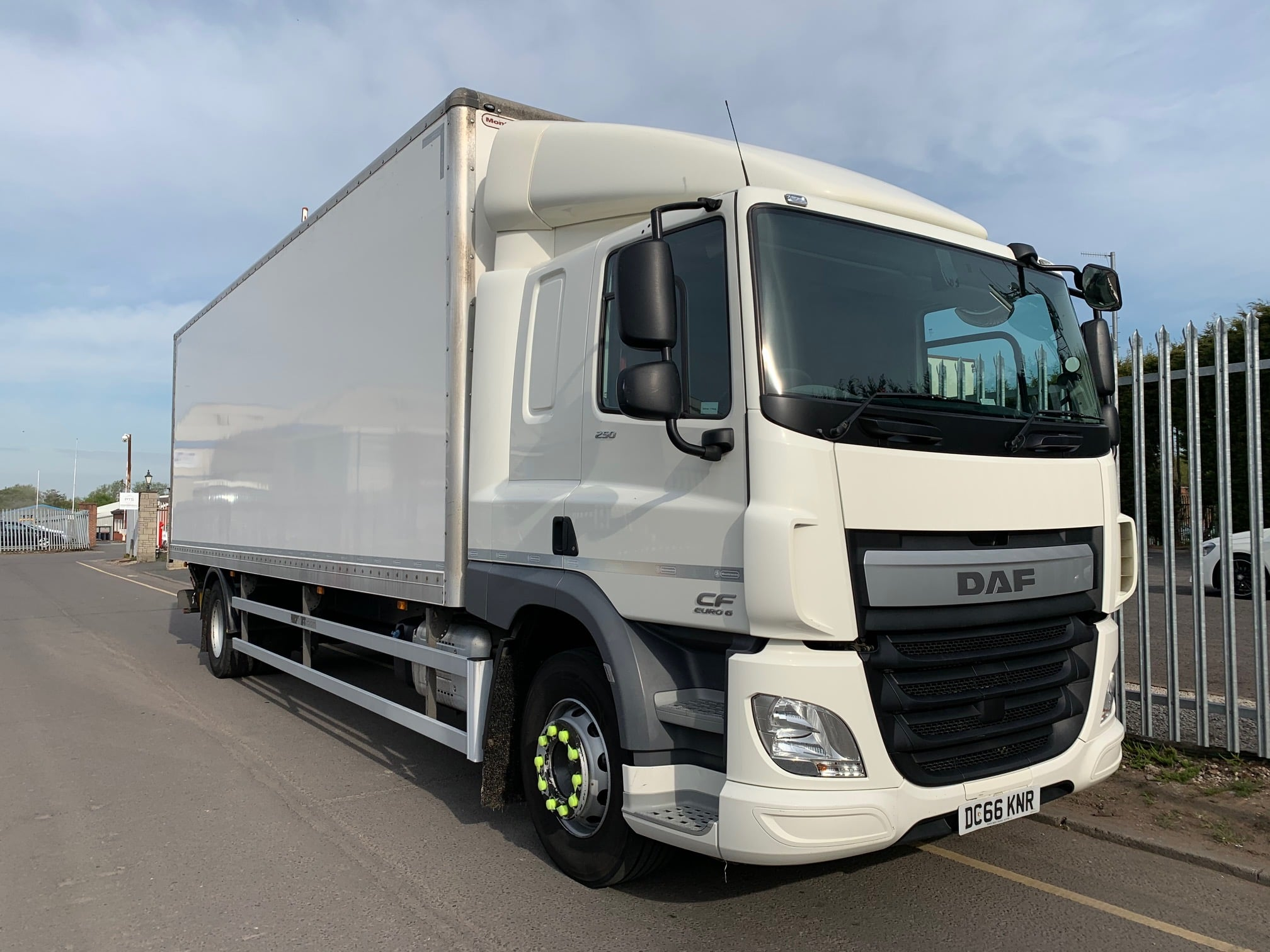 2016 (66) DAF CF Box. 18 Tonne, Dhollandia Tuckunder Tailift (1500kg Capacity), Euro 6, 6.9m Wheelbase, 6 Speed AS Tronic Automatic Gearbox, Space Single Sleeper Cab, Electrically Heated & Adjustable Mirrors, Cruise Control, Air Con, Radio/USB, Xtra Comfort Mattress, 200 Litre Fuel Tank/ 25 Litre ADBlue Tank, Flush Doors, 1 x Load Lock Rail, Choice & Warranty Available.