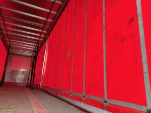 2015 Montracon Curtainsider. 4.47m External Height, 2.96m Internal Height, BPW Axles, Drum Brakes, Wisa Deck Floor, Barn Doors, 2 x Side Posts, Internal Straps, Lashing Rings, Raise Lower Valve Facility.