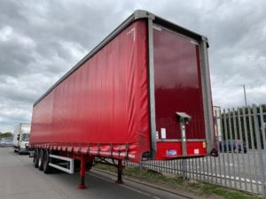 2015 Montracon Curtainsider. 4.47m External Height, 2.96m Internal Height, BPW Axles, Drum Brakes, Wisa Deck Floor, Barn Doors, 2 x Side Posts, Internal Straps, Lashing Rings, Raise Lower Valve Facility.