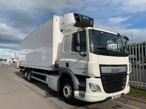 2017 DAF CF 330 26 Tonne Fridge Tailift. Dhollandia Tuckunder Tailift (2000kg Capacity), Carrier Supra 1150Mt Engine, Euro 6, 12 Speed AS Tronic Automatic Gearbox, Single Sleeper Cab, Roller Shutter Rear Door, Near Side Door in Body, Aluminium Floor, 2 x Load Lock Rails, Xtra Comfort Mattress, Radio/USB, Exhaust Brake, 390 Litre Fuel Tank/50 Litre ADBlue Tank, Choice & Warranty Available.