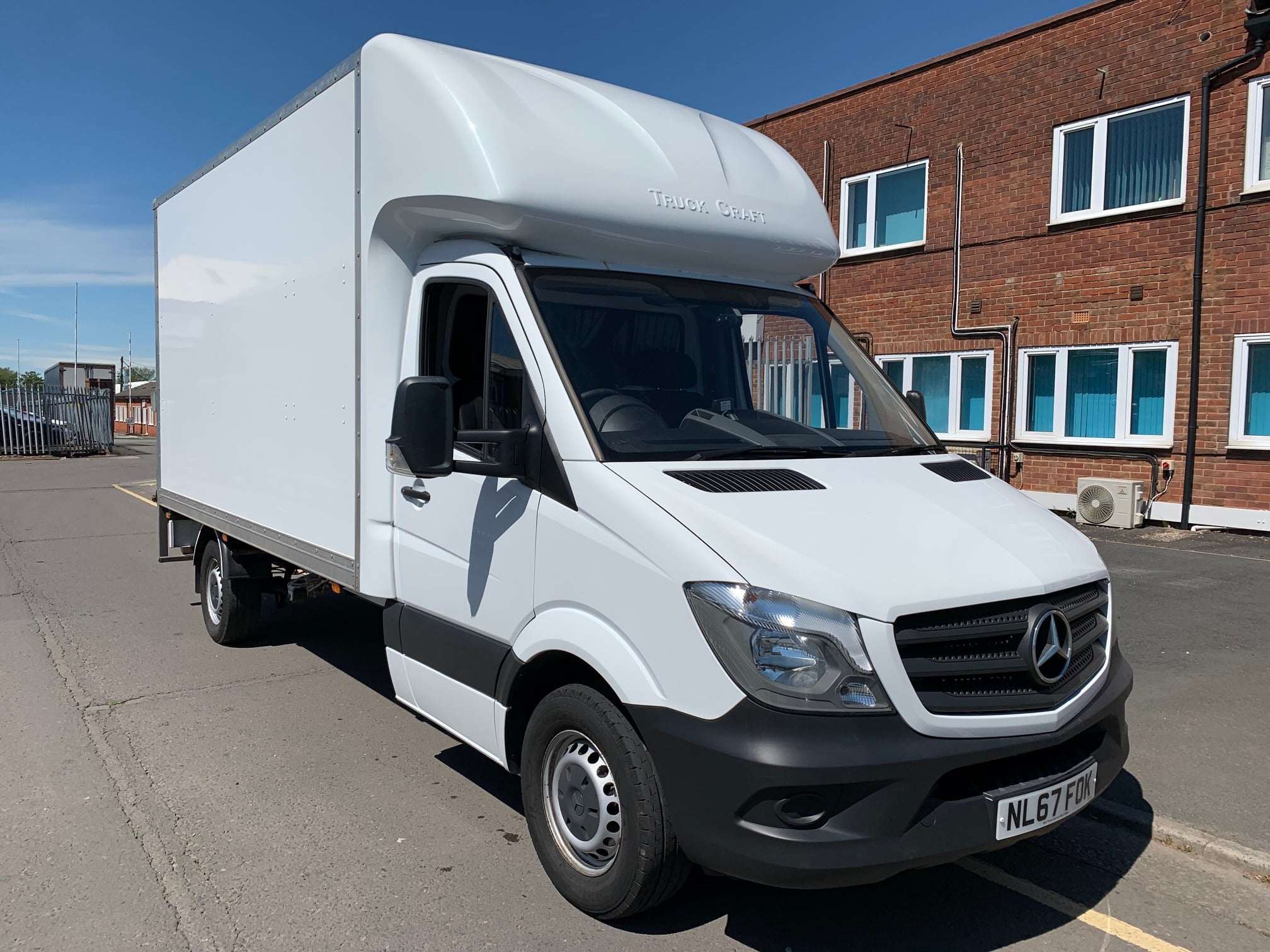 2017 (67) Mercedes Sprinter, Manual Gearbox, Day Cab, 140bhp, DEL Column Tailift (500kg Capacity), Radio/USB, Boxvan Body, Roller Shutter Rear Door, Steering Wheel Controls, Choice & Warranty Available.