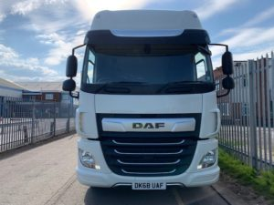 2018 DAF CF Curtainsider. 18 Tonne, 260bhp, Euro 6, Automatic Gearbox, 6.9m Wheelbase, Space Single Sleeper Cab, Anteo Tuckunder Tailift (1500kg Capacity), Barn Doors, Internal Straps, Cruise Control, Air Con, LOW MILEAGE 46,775km, Choice & Warranty Available.